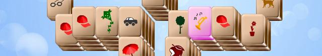 Bei manchen Spiel-Varianten, zum Beispiel unserem Spielesnacks.de Mahjong, kannst du Bonuspunkte ergattern, wenn du gelegentlich aufblinkende Steine ablegst. Leuchtet solch ein Stein auf, so gib ihm den Vorrang.