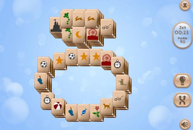 In Playground Mahjong löst du in bekannter Weise die Spielfelder auf, indem du zwei passende Steine entfernst. Das asiatische Kult-Game kannst du kostenlos in unserem Spielesnacks.de Playground online spielen. Klicke hierzu auf das Bild oder auf den Link darüber.