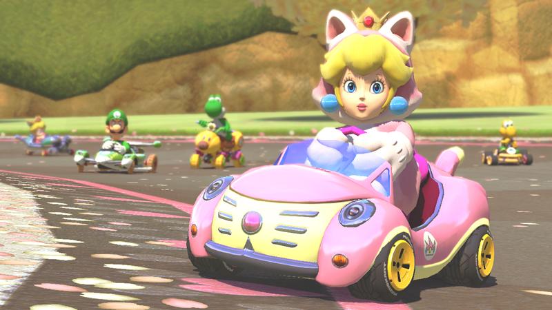 Peach im Katzenkostüm. Ist sie nicht süß? Mit ihr über die Strecken heizen kannst du bereits im November 2014.