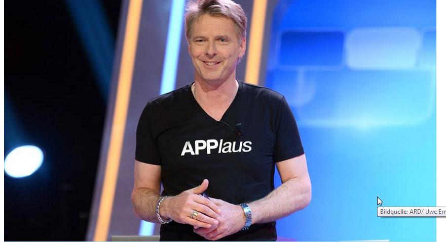 Jörg Pilawa nimmt es mit Humor. Seine T-Shirt nehmen die Show mit seinen Pannen auf die Schippe. Nimmt man sich selbst nicht so ernt?